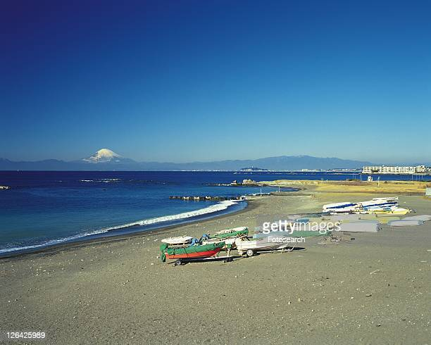 hayama beach, shonan, kanagawa prefecture, japan, high angle view, pan focus - kanto region - fotografias e filmes do acervo