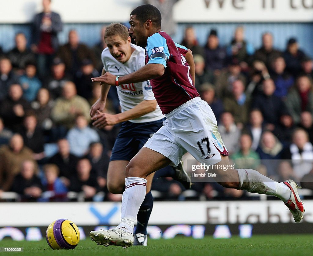 Hayden Mullins of West Ham in action during the Barclays Premier League match between West Ham United and Tottenham Hotspur at Upton Park on November 25, 2007 in London, England.