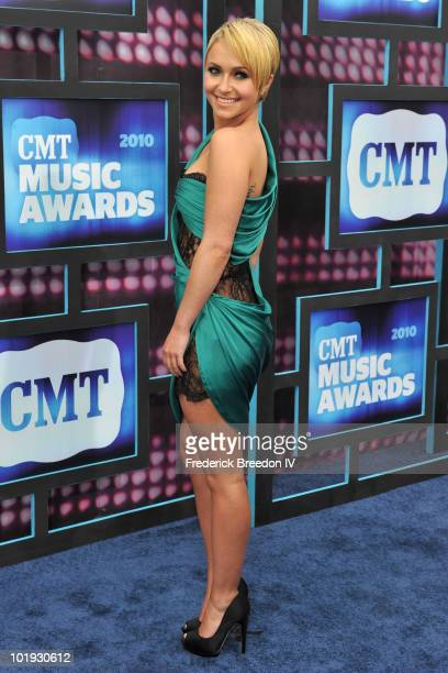 Hayden Panettiere attends the 2010 CMT Music Awards at the Bridgestone Arena on June 9 2010 in Nashville Tennessee