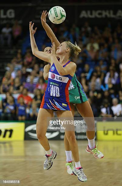 Hayley Saunders of the Mystics in action during the ANZ Championship match between the Mystics and the Melbourne Vixens at Trusts Stadium on March 25...