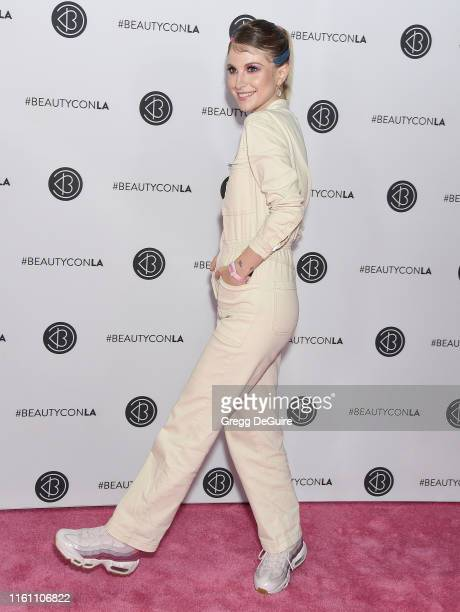 Hayley Williams attends Beautycon Los Angeles 2019 Day 2 Pink Carpet at Los Angeles Convention Center on August 11, 2019 in Los Angeles, California.