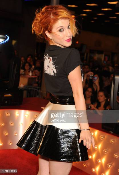 Hayley Williams of Paramore attends the 2009 MTV Video Music Awards at Radio City Music Hall on September 13 2009 in New York City