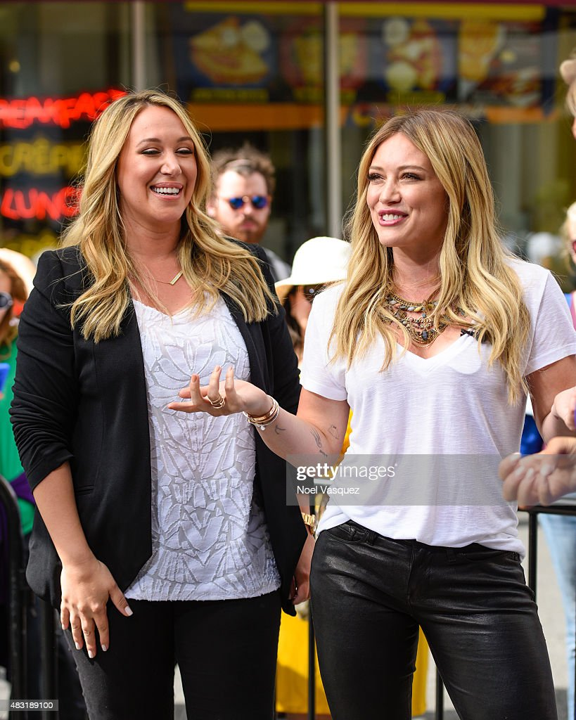 "Hilary Duff And Haylie Duff On ""Extra"" : News Photo"