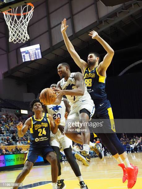 Haywood Highsmith of the Delaware Blue Coats handles the ball against the Fort Wayne Mad Ants on February 09 2020 at Memorial Coliseum in Fort Wayne...