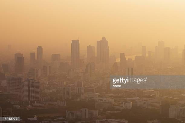 hazy morning atmosphere in bangkok - heat haze stock pictures, royalty-free photos & images