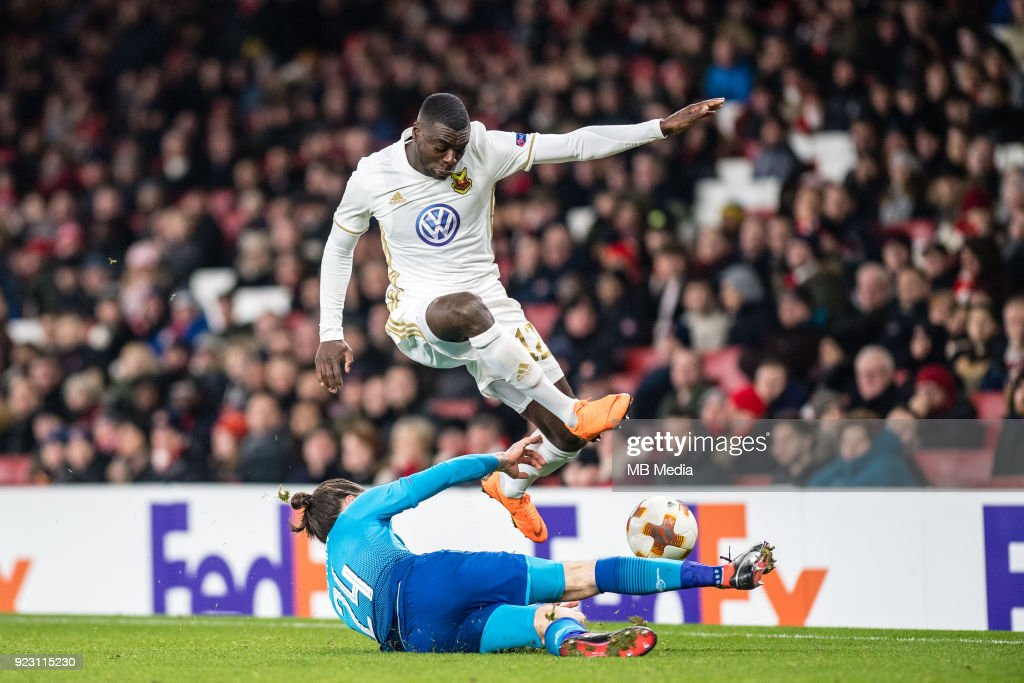 Héctor Bellerín (24) of Arsenal and Ken Sema (12) of Ostersunds FK vie for ball during UEFA Europa League Round of 32 match between Arsenal and Ostersunds FK at the Emirates Stadium on February 22, 2018 in London, United Kingdom.