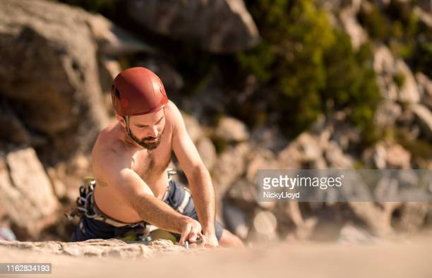 he is a strong climber - nicky pende foto e immagini stock