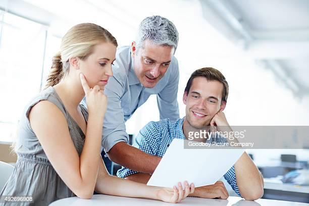 Il regarde après leurs investissements qu'ils étaient son propre
