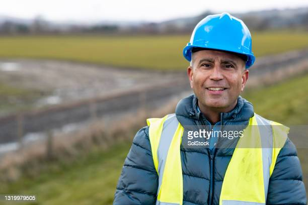 he loves his job - human age stock pictures, royalty-free photos & images