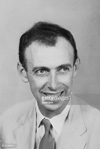 Head and shoulders closeup of James D Watson medical researcher at Harvard University and winner of the 1962 Nobel Prize for Medicine