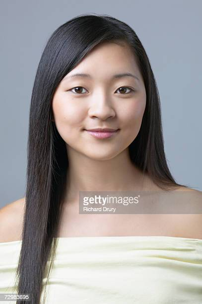 head and shoulders of young woman, portrait - richard drury stock pictures, royalty-free photos & images
