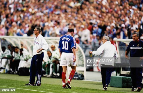 Head caoch Aime Jacquet and Zinedine Zidane of France is sent off by referee Arturo Brizio Carter during the World Cup match between France and Saudi...