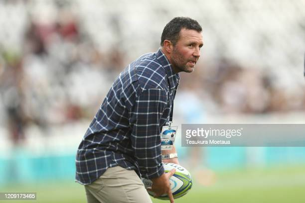Head coach Aaron Mauger of the Highlanders looks to pass during the round five Super Rugby match between the Highlanders and the Rebels at Forsyth...