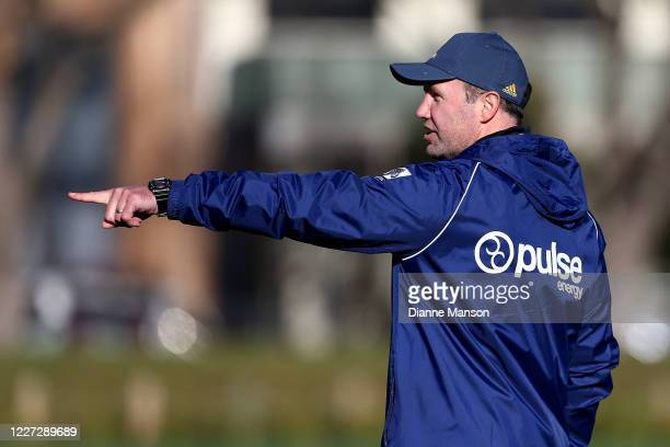 Head coach Aaron Mauger reacts during a Highlanders Super Rugby training session at Logan Park on May 27 2020 in Dunedin New Zealand