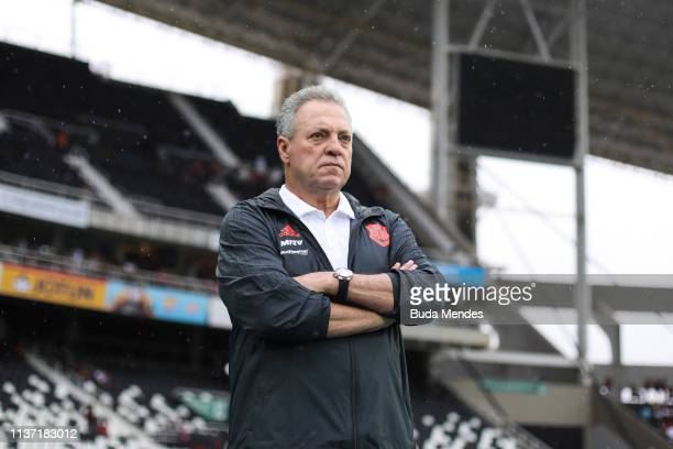 Head coach Abel Braga of Flamengo looks on during a match between Vasco da Gama and Flamengo as part of State Championship Final 1 at Nilton Santos...