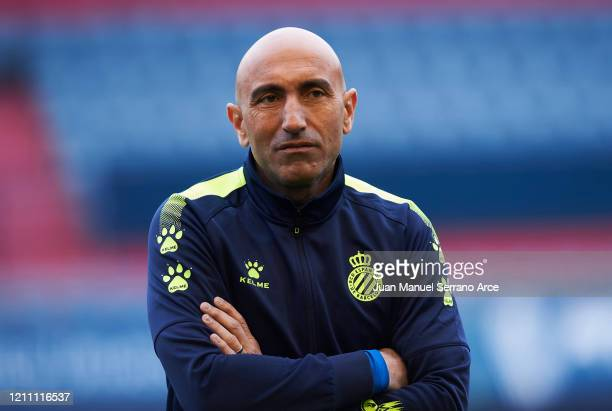 Head coach Abelardo Fernandez of RCD Espanyol looks on prior to the start the La Liga match between CA Osasuna and RCD Espanyol at El Sadar Stadium...
