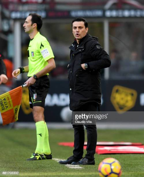 Head coach AC Milan Vincenzo Montella reacts during the Serie A match between AC Milan and Torino FC at Stadio Giuseppe Meazza on November 26 2017 in...