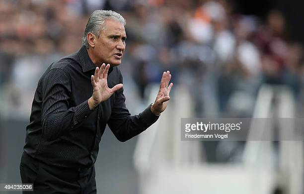 Head coach Adenor Leonardo Bachi of Corinthians gives advise during the match between Corinthians and Flamengo for the Brazilian Series A 2015 at...