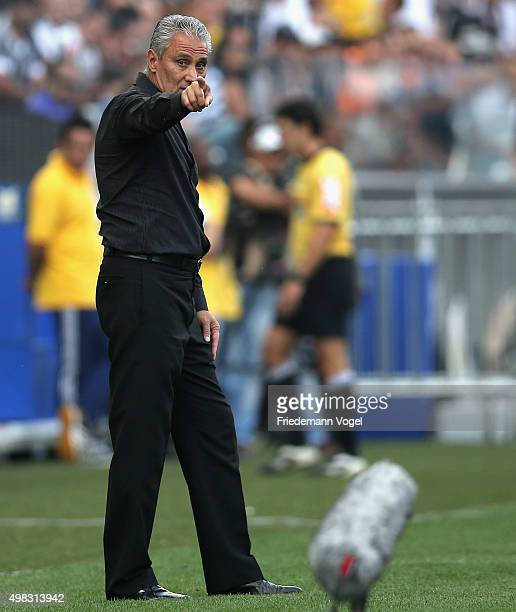 Head coach Adenor Leonardo Bachi of Corinthians gives advise during the match between Corinthians and Sao Paulo for the Brazilian Series A 2015 at...