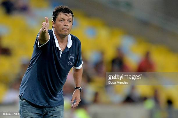 Head coach Adilson Batista of Vasco in action during a match between Vasco and Botafogo as part of Carioca 2014 at Maracana Stadium on February 02...
