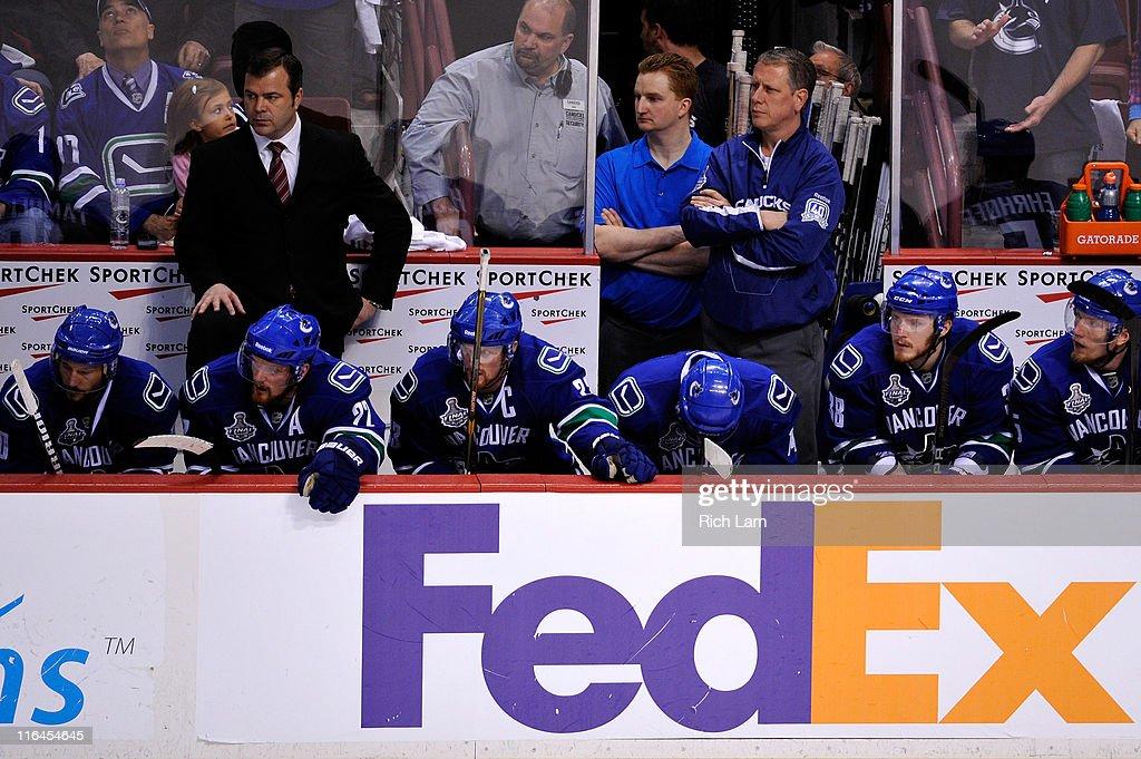 Boston Bruins v Vancouver Canucks - Game Seven : News Photo