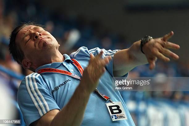 Head coach Alfred Gislason of Kiel reacts during the Toyota Handball Bundesliga match between TV Grosswallstadt and THW Kiel at the Frankenstolz...