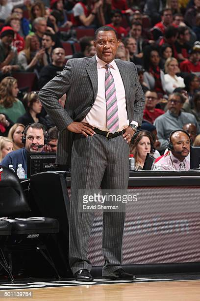 Head Coach Alvin Gentry of the New Orleans Pelicans looks on during the game against the Chicago Bulls on December 12 2015 at the United Center in...