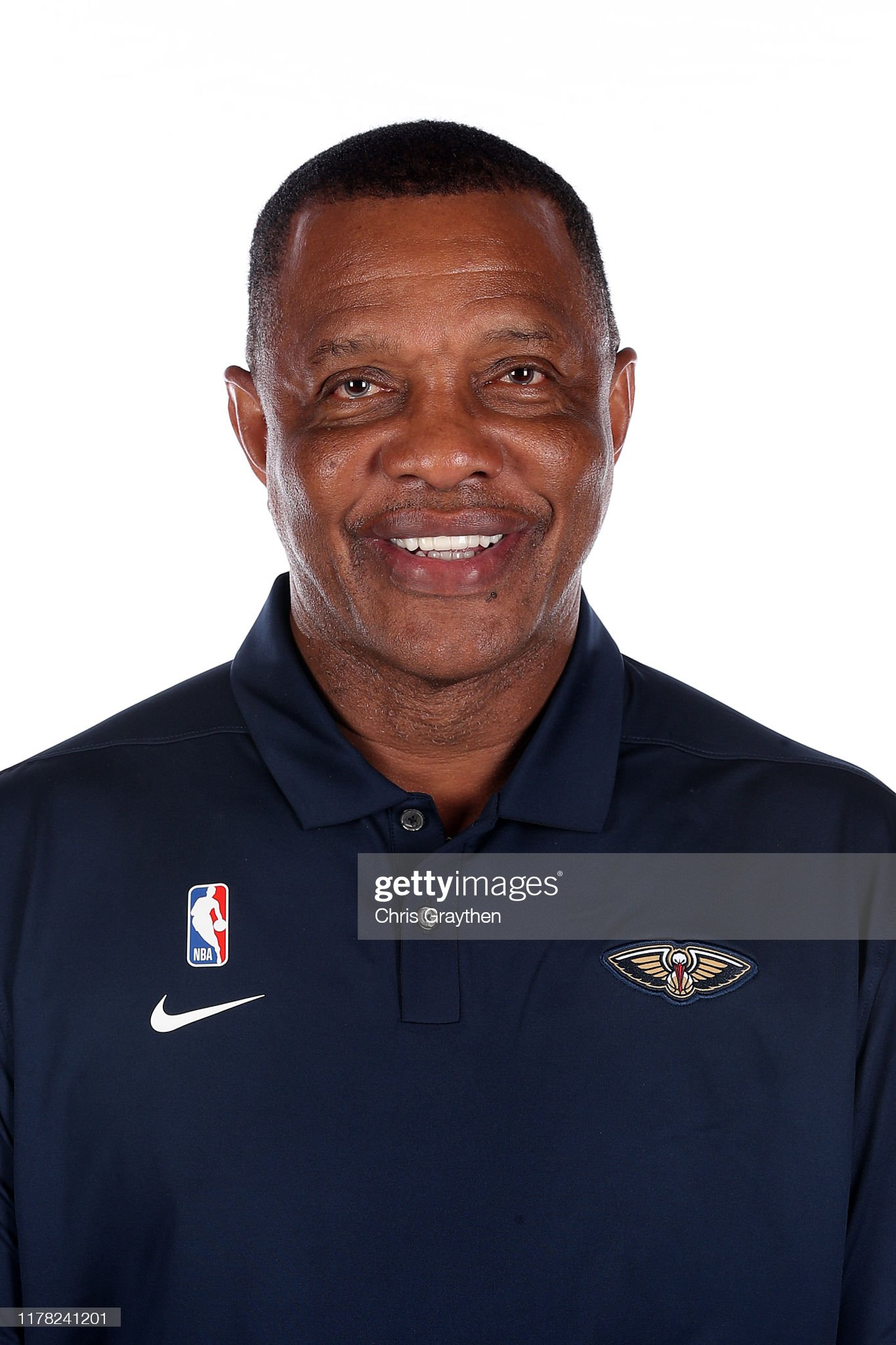 COLOR DE OJOS (clasificación y debate de personas famosas) - Página 11 Head-coach-alvin-gentry-of-the-new-orleans-pelicans-poses-for-a-photo-picture-id1178241201?s=2048x2048