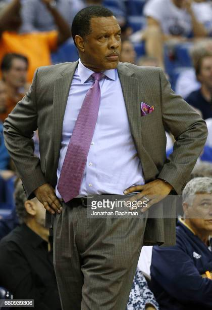 Head coach Alvin Gentry of the New Orleans Pelicans reacts during the second half of a game against the Dallas Mavericks at the Smoothie King Center...