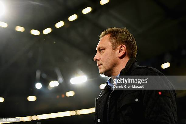 Head coach Andre Breitenreiter of FC Schalke 04 looks on prior to kickoff during the Bundesliga match between FC Schalke 04 and 1899 Hoffenheim at...