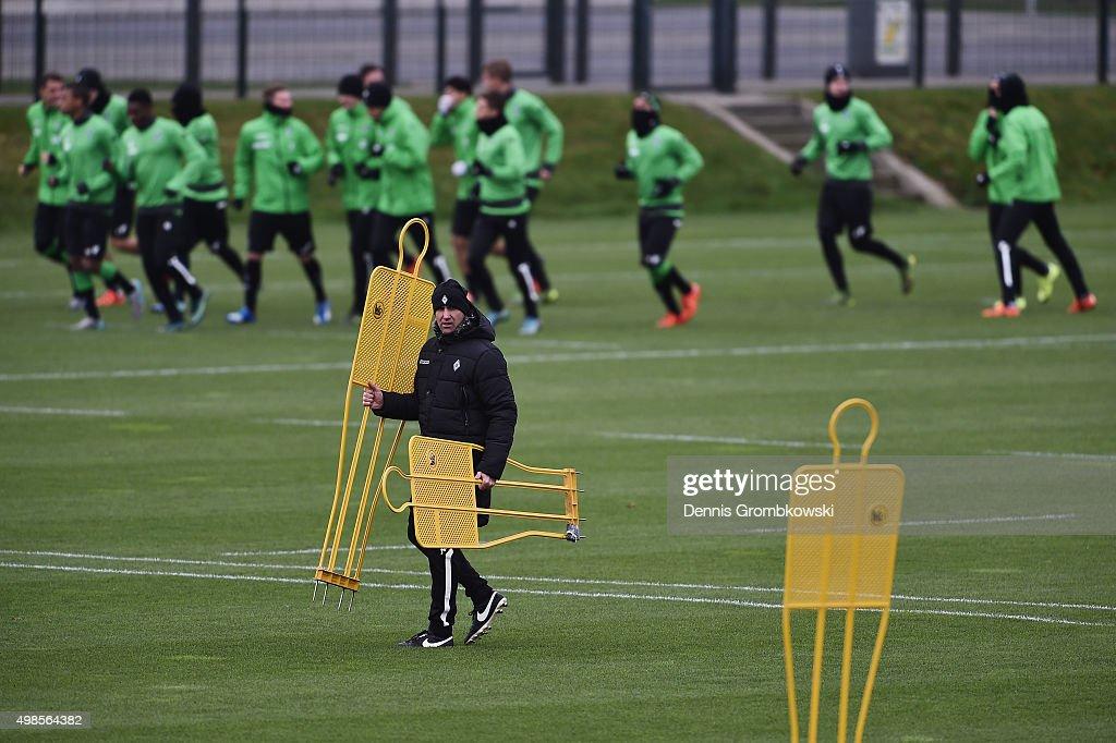 Borussia Moenchengladbach  - Training & Press Conference : News Photo