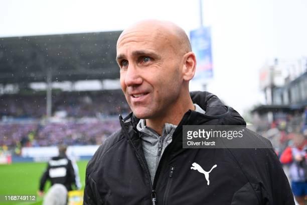 Head coach Andre Schubert of Holstein Kiel looks on prior to the Second Bundesliga match between Holstein Kiel and Karlsruher SC at Holstein-Stadion...