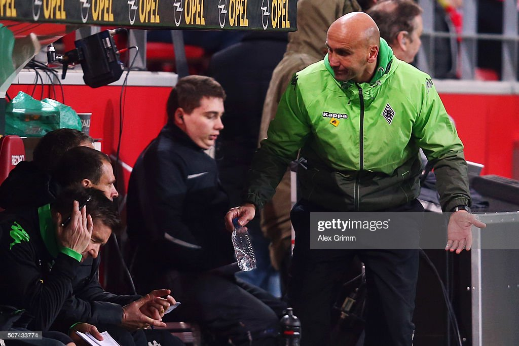 Head coach Andre Schubert of Moenchengladbach reacts during the Bundesliga match between 1. FSV Mainz 05 and Borussia Moenchengladbach at Coface Arena on January 29, 2016 in Mainz, Germany.