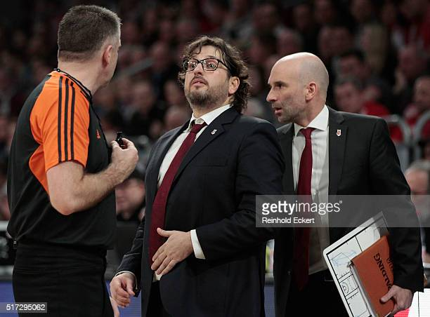 Head coach Andrea Trinchieri of Brose Baskets Bamberg during the 20152016 Turkish Airlines Euroleague Basketball Top 16 Round 12 game between Brose...