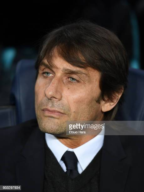 Head coach Antonio Conte of Chelsea looks on prior to the UEFA Champions League Round of 16 Second Leg match FC Barcelona and Chelsea FC at Camp Nou...