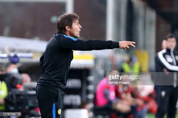 head coach Antonio Conte of FC Internazionale gestures during the Serie A match between Genoa CFC and FC Internazionale at Stadio Luigi Ferraris on...