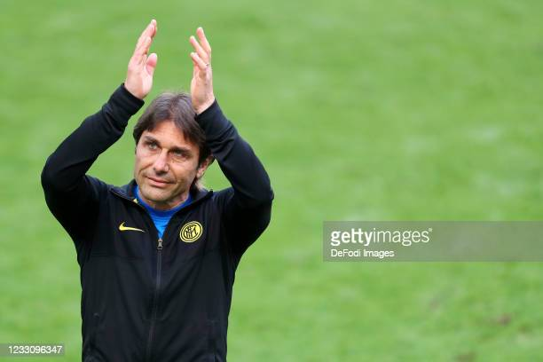 Head coach Antonio Conte of FC Internazionale gestures during the Serie A match between FC Internazionale Milano and Udinese Calcio at Stadio...
