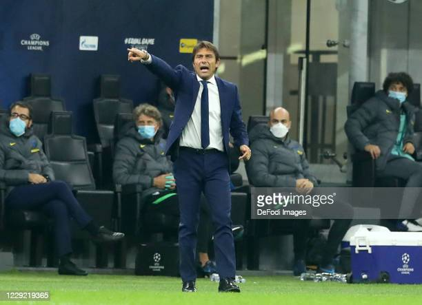 Head coach Antonio Conte of FC Internazionale gestures during the UEFA Champions League Group B stage match between FC Internazionale and Borussia...