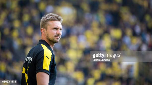 Head Coach Benjamin Hoffmann of Dortmund looks up prior to the U19 German Championship Final between Borussia Dortmund and FC Bayern Muenchen on May...