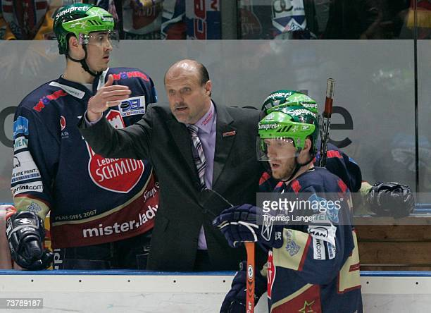 Head coach Benoit LaPorte of Nuremberg gestures to players during the DEL Play Off semi final match between Sinupret Ice Tigers and DEG Metro Stars...