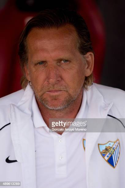 Head coach Bernd Schuster of Malaga CF looks on prior to start the La Liga match between Club Atletico de Madrid and Malaga CF at Vicente Calderon...