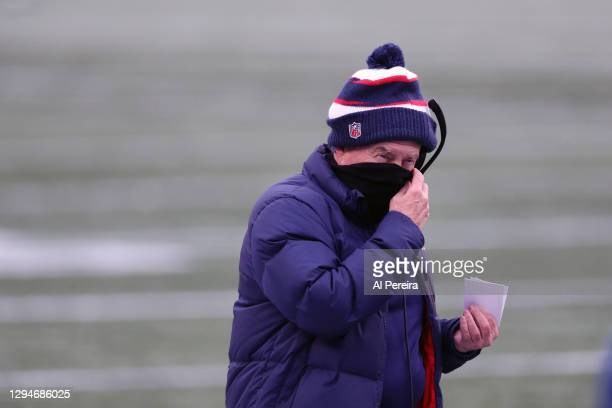 Head Coach Bill Belichick of the New England Patriots calls a playagainst the New York Jets at Gillette Stadium on January 3, 2021 in Foxborough,...