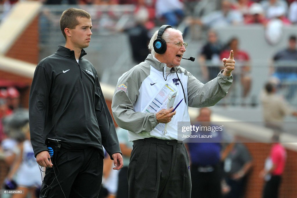 Head Coach Bill Snyder of the Kansas State Wildcats instructs his players during the game against the Oklahoma Sooners on Saturday October 15, 2016 at Gaylord Family Oklahoma Memorial Stadium in Norman, Oklahoma.
