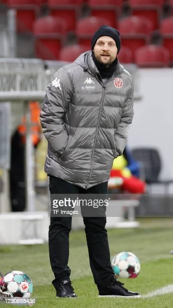 Head coach Bo Svensson of 1. FSV Mainz 05 during the Bundesliga match between 1. FSV Mainz 05 and VfL Wolfsburg at Opel Arena on January 19, 2021 in...