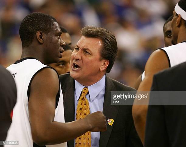 [Image: head-coach-bob-huggins-of-the-cincinnati...?s=612x612]