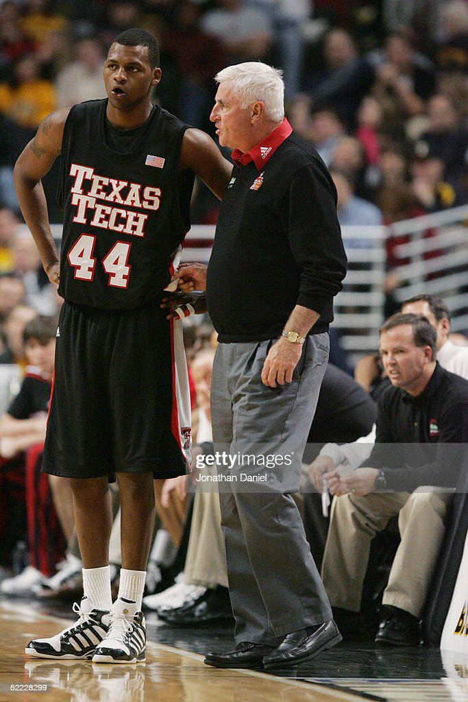 Iowa Hawkeyes v Texas Tech Red Raiders : News Photo