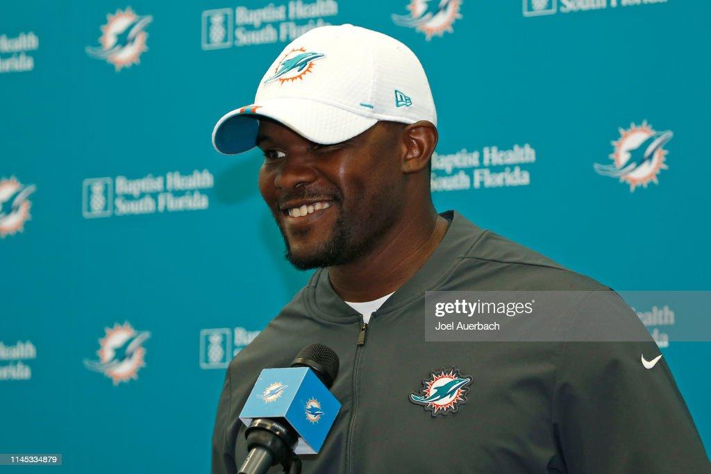 FL: Miami Dolphins OTAs