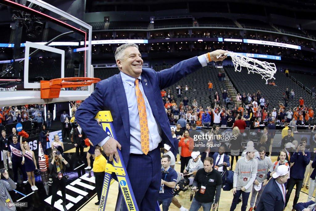 Auburn v Kentucky : News Photo