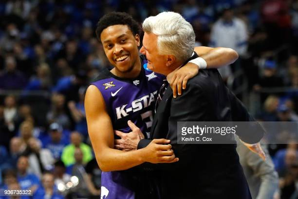 Head coach Bruce Weber of the Kansas State Wildcats speaks to Kamau Stokes in the second half against the Kentucky Wildcats during the 2018 NCAA...