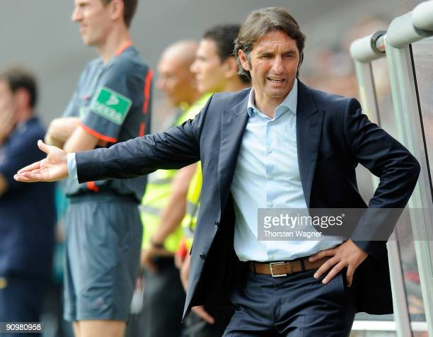 Head coach Bruno Labbadia of Hamburg gestures during the Bundesliga match between Eintracht Frankfurt and Hamburger SV at Commerzbank Arena on...